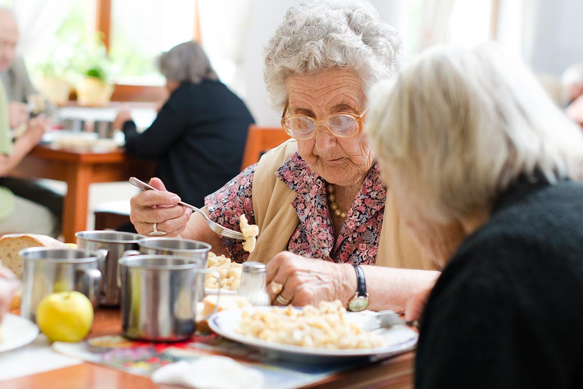 Anziani e alimentazione: un vademecum anti-malnutrizione