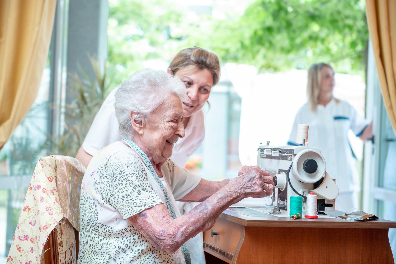La memoria negli anziani: come mantenerla attiva e perché