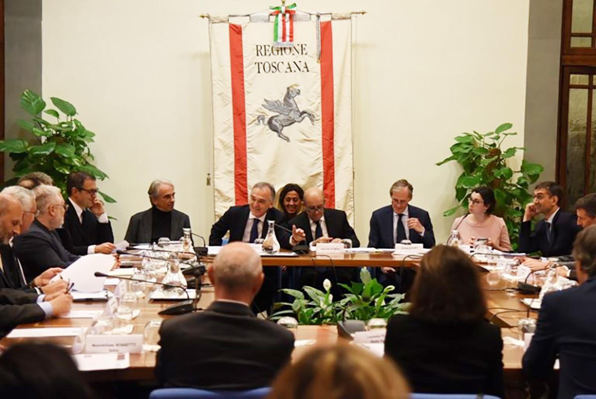 IL GRUPPO LA VILLA OSPITE A FIRENZE ALLA TAVOLA ROTONDA ITALIA-FRANCIA