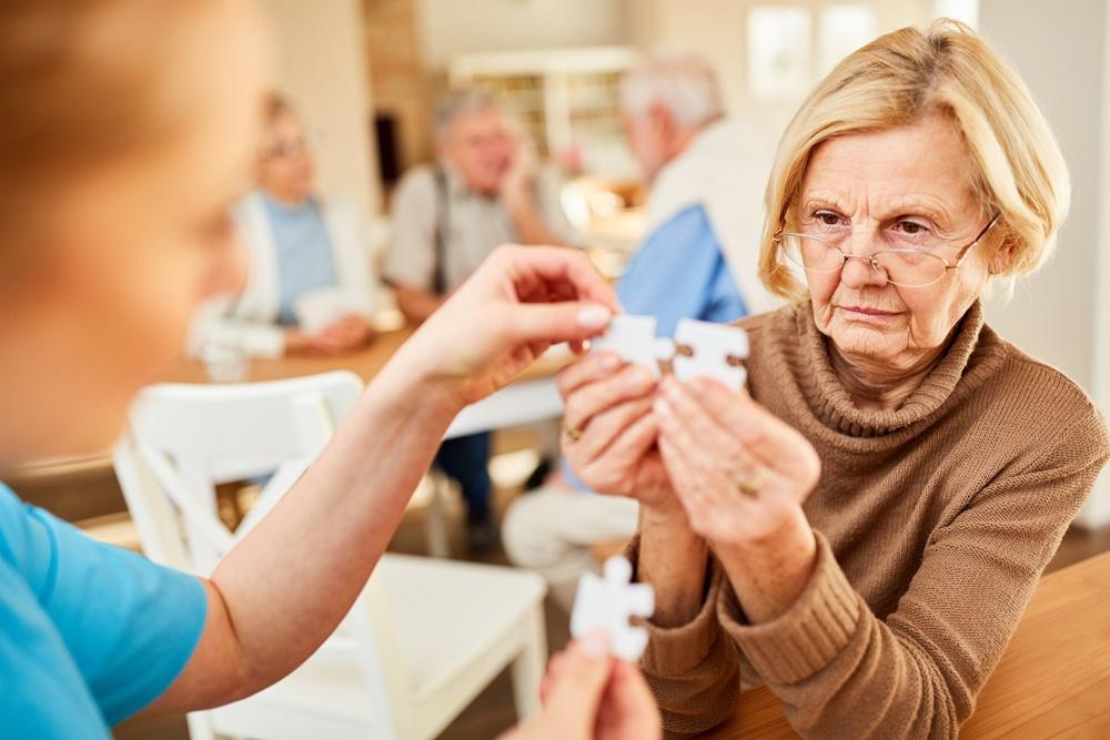 Sostegno al caregiver Alzheimer: tra iniziative in Rsa e un e-book