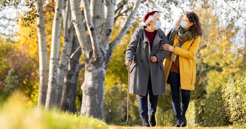 Camminare: anziani in salute, con tante passeggiate in sicurezza