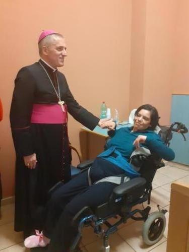 Vescovo di Tortona in visita a Rsa Castello di Stazzano - La Villa